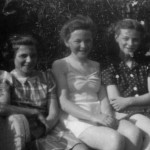 Melanie, Jo and Paula Hacker 1941